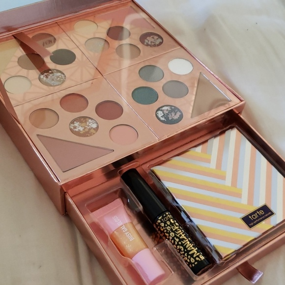 Gift & Glam Collector's Set by Tarte #18
